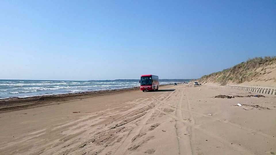 千里浜海岸観光バス