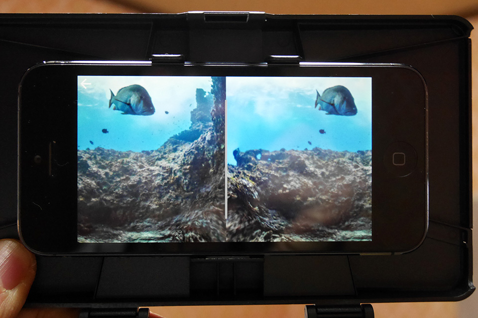 VRゴーグルにiPhoneで海中体験